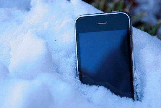 Пользователи iPhone и iPad столкнулись со странным поведением устройств на морозе