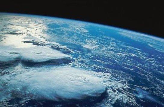 В сети появились уникальные снимки карликовой планеты Церера
