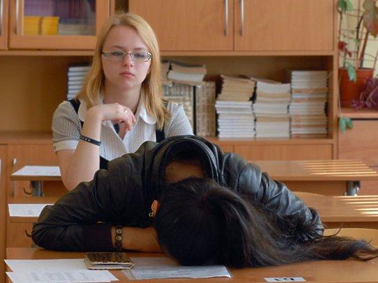 Школьникам заблокируют мобильную связь на госэкзамене