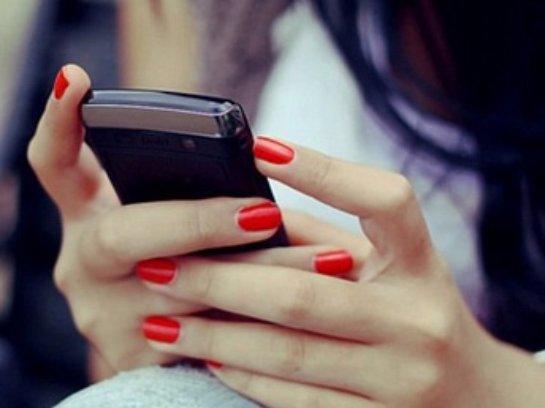 Чтение с экрана смартфона может стать причиной развития слабоумия
