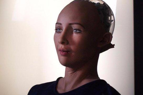 Человекоподобный робот готов заняться уничтожение людей