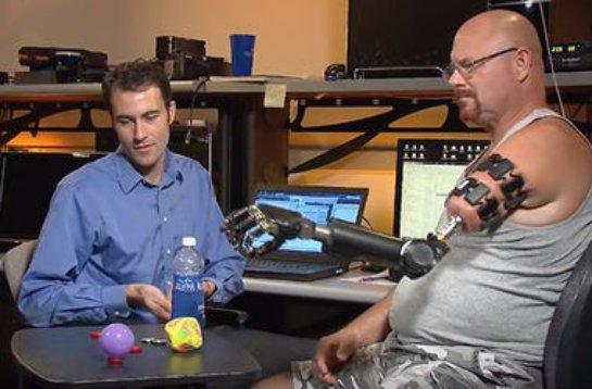 Американские ученые представили протез, обладающий функцией тактильного ощущения