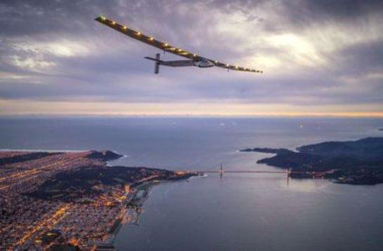 Самолет на солнечных батареях завершил очередной этап кругосветного путешествия