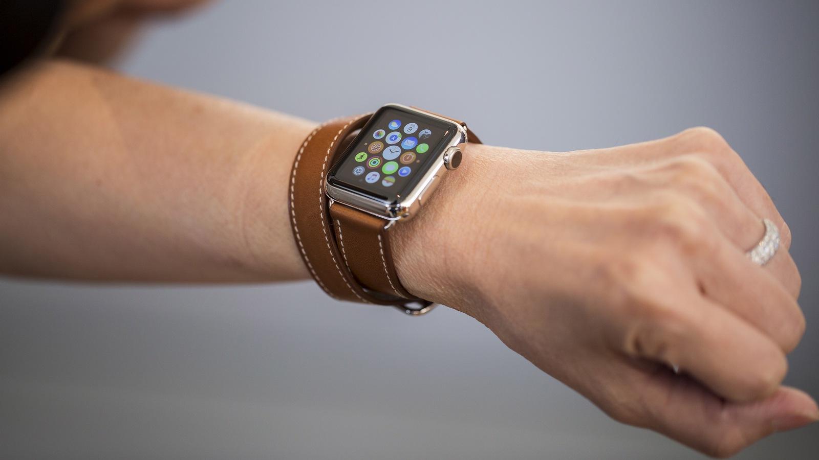 Продажи Apple Watch неуклонно растут, вопреки слухам о выходе новой модели