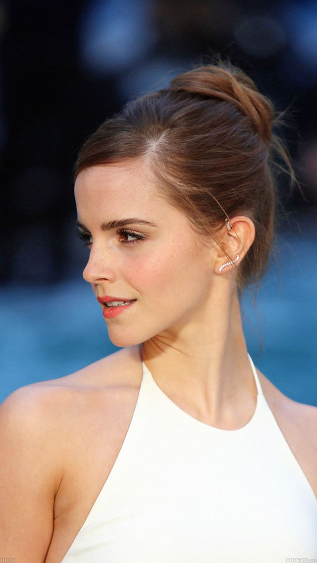 emma-watson-in-white-dress-iphone-5