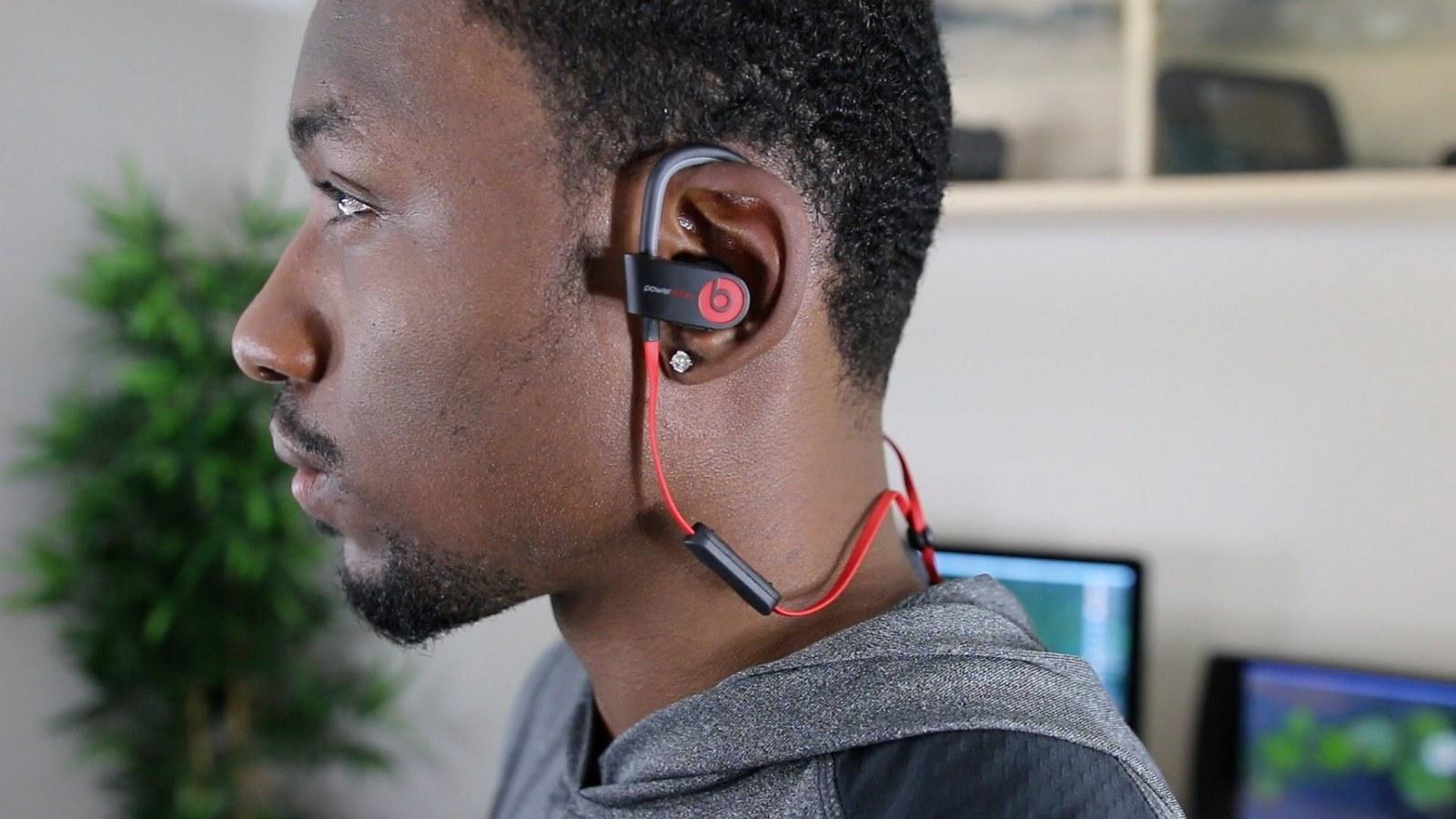 AirPods: Apple прощается с проводными наушниками