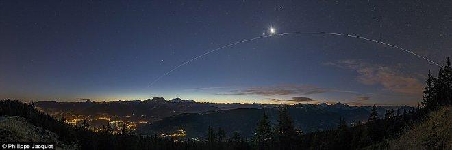 Фотографы из 80 стран представили более 4500 снимков ночного неба