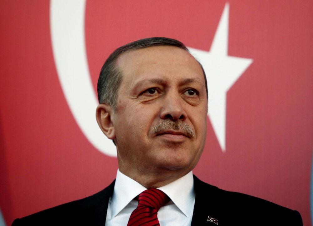 Взломавший Hacking Team хакер слил Wikileaks письма правящей партии Турции