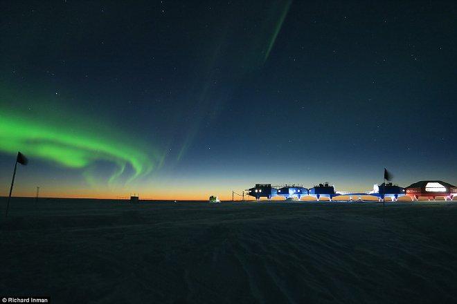 Восход солнца в Антарктиде