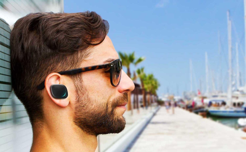 Apple может представить беспроводные наушники в сентябре