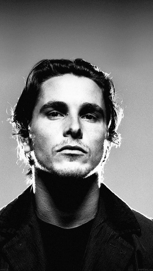 christian-bale-film-face-iphone-5