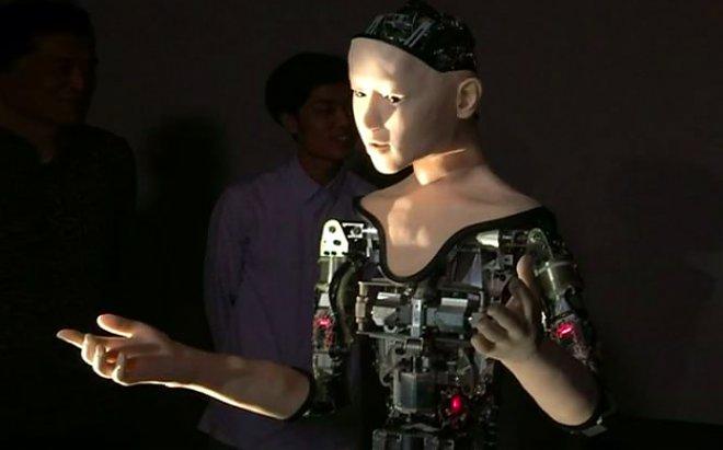 В Японии появился робот, который сам учит себя петь и танцевать