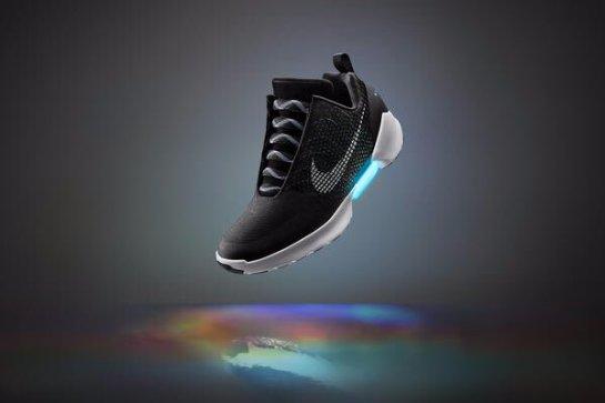 Анонсировано начало продаж кроссовок из