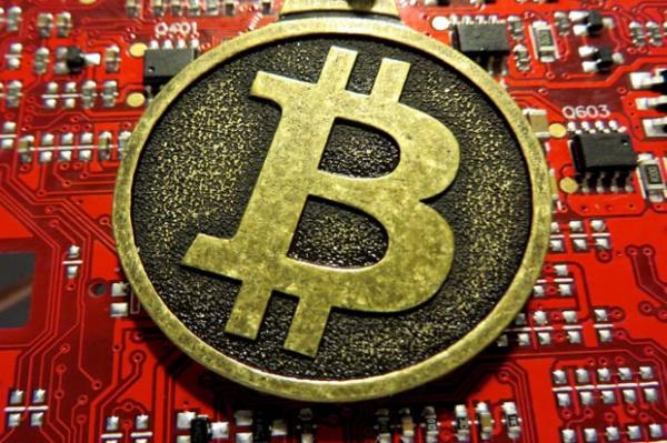 Взломавший Dropbox русский хакер похитил деньги у биткойн-биржи