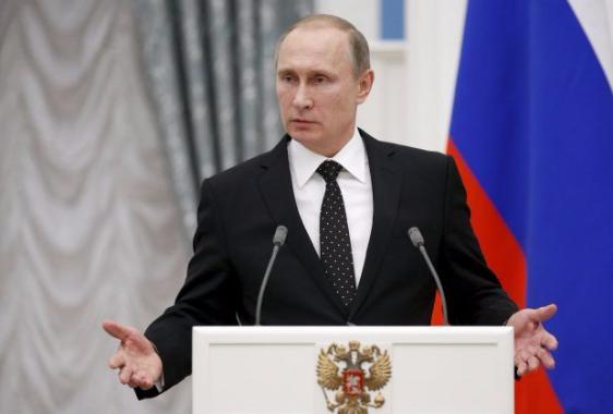 Клинтон обвинила Путина в шпионаже против американского народа