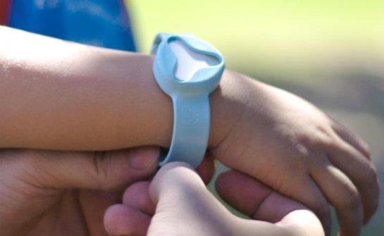 Техника для новорожденных: самонагревающаяся бутылка и укачиватель коляски