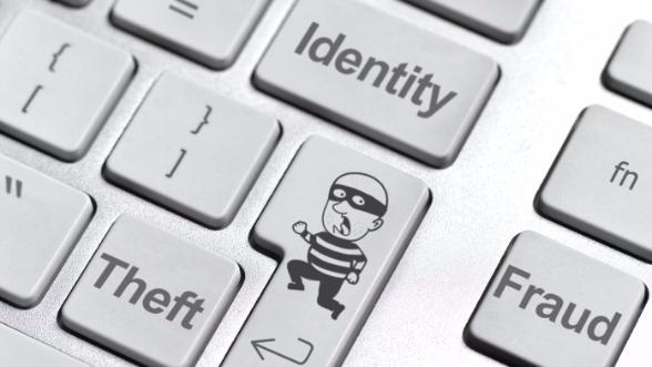 Вымогательское ПО Vindows Locker похищает данные банковских карт