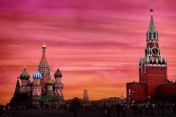Эксперт пояснил, почему  на Красной площади искажается сигнал GPS
