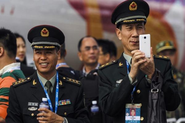 Китайским военным запретили пользоваться GPS на смартфонах