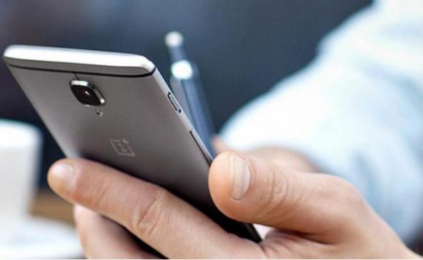 Смартфоны OnePlus 3/3T на базе OxygenOS 4.0.2 можно взломать через зарядку