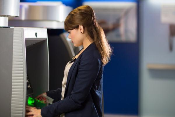 Мошенники изобрели новый способ дистанционного взлома банкоматов