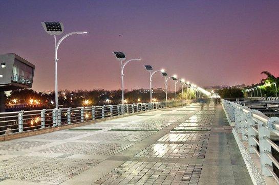 В Лас-Вегасе установят первые в мире «умные» фонари