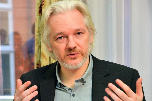 Основатель WikiLeaks опроверг обвинения в хакерстве